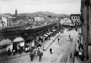 Puestos de mercado en el Pasillo de Santa Isabel de Málaga.